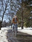 winter-cycling-on-clear-path_